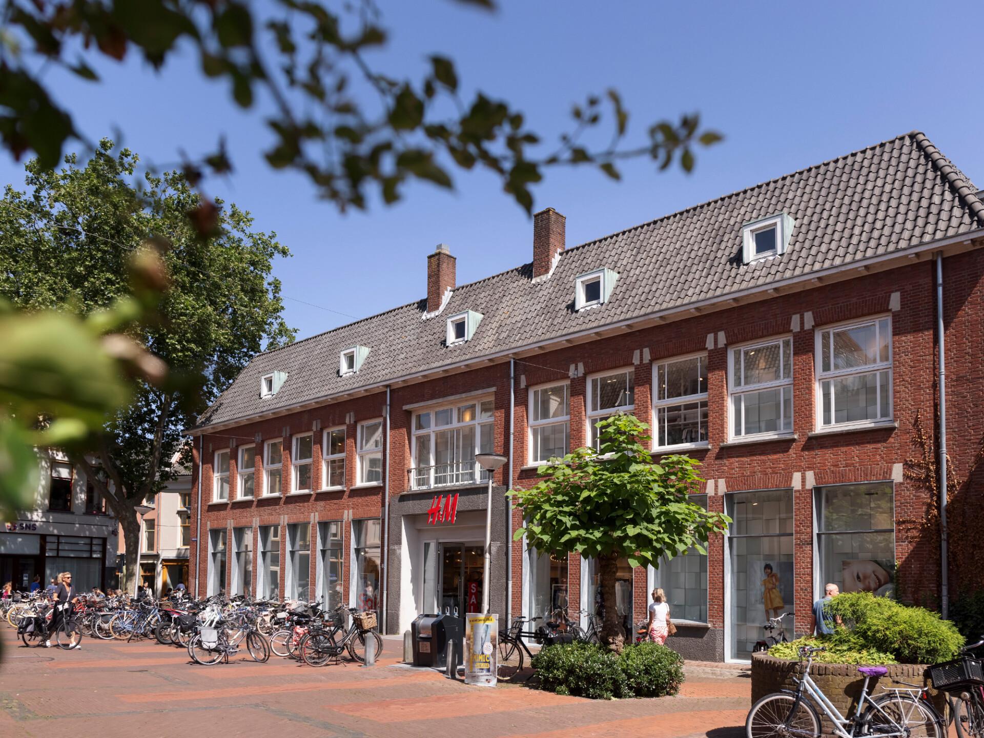 Bankgebouw H&M